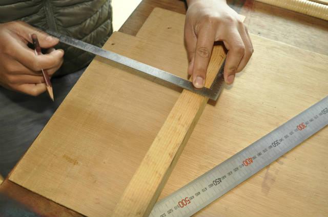 木は簡単に真っ直ぐ切れる!のこぎりの使い方5つのコツ