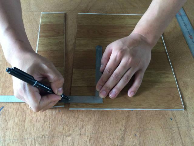 カッターを使ってベニヤを切る方法9