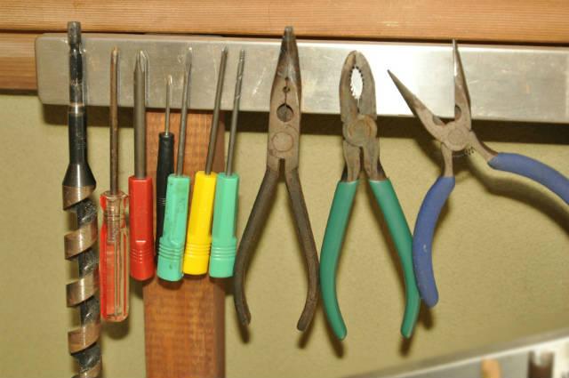 磁石で作る収納をDIY|マグネットナイフラックを自作してみた